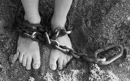 社畜は、資本家の奴隷-min