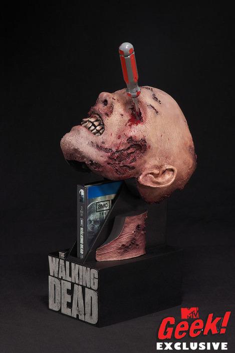 the-walking-dead-season-2-dvd-1