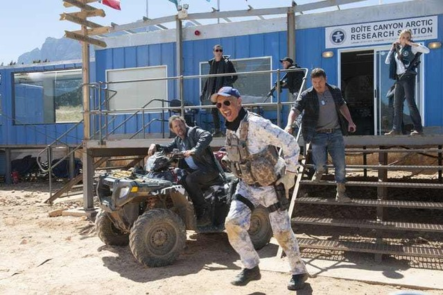 Tremors-6-First-Look-Photos-Burt-and-Travis-Head-Into-Battle