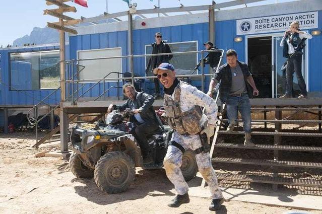 Tremors-6-First-Look-Photos-Burt-and-Travis-Head-Into-Battle