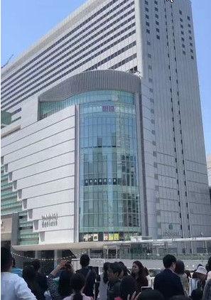 大阪駅の飛び降り女性 (2)