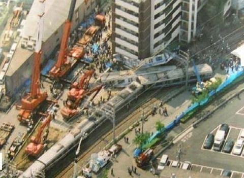 福知山線脱線事故 運転士
