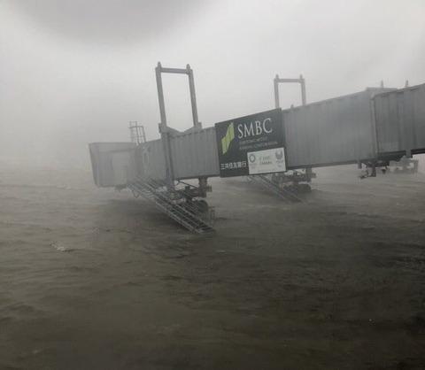 関西空港水没7