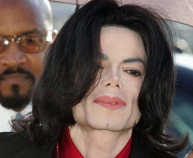 マイケルジャクソン性的被害の内容 (2)