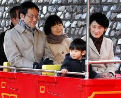 皇籍離脱しても黒田清子さんは、国賓の晩さん会に参加したり、伊勢神宮の祭主を務めているので、皇居や秋篠宮家へは招かれれば、行事には参加。