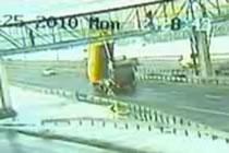 ダンプカー事故