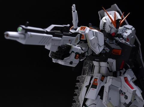 MG RX-93 νガンダム