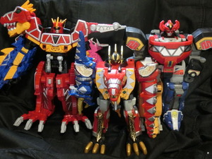 三大恐竜戦隊ロボ