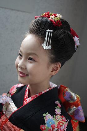 七五三、七歳さんは日本髪で♪