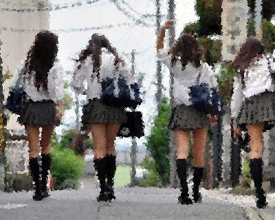 彼女に「なんで女ってみんなで広がって歩くの?」って聞いた結果ww