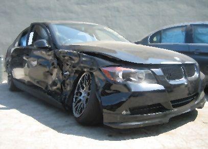 車で事故って報告したのに、車の心配ばかりする彼氏