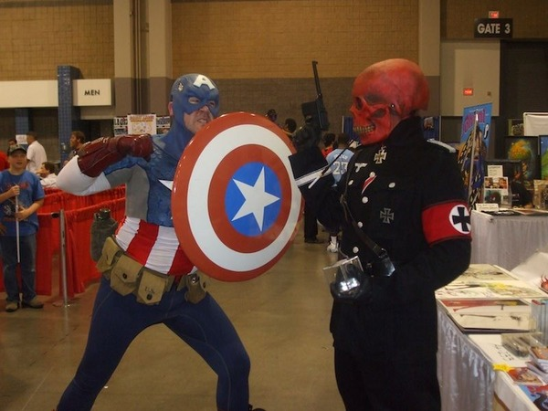 1425839015_captain-america-vs-red-skull