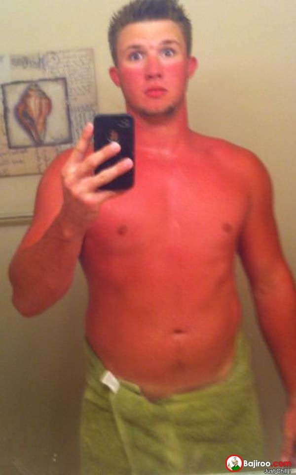 funny-fail-guy-selfie-body-tan-line-pics