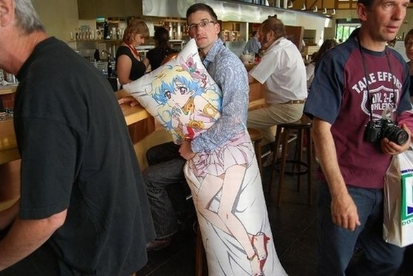 Japanese-Dakimakura-love-pillows1