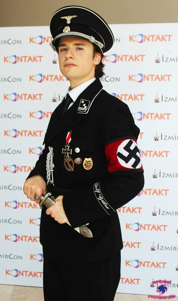 nazi_ss_obersturmfuhrer_cosplay_by_cukuwalker-d9jem1d