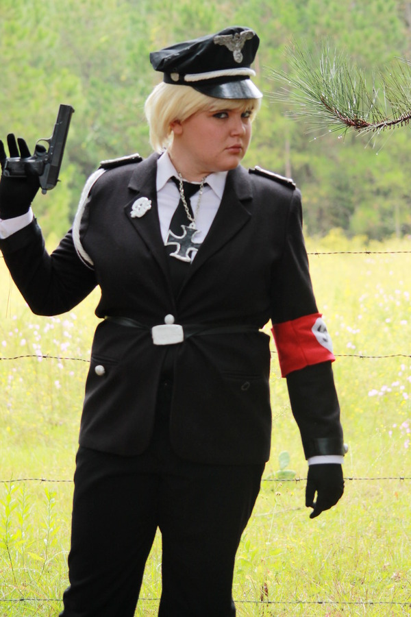 hetalia_cosplay___nazi_germany_7_by_lexikitt-d5gil12