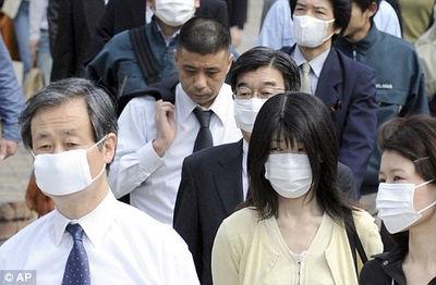 街を歩けばマスクしている人ばかり マスクしない人は人に非ずの異様さ ホントにマスクは効くのか