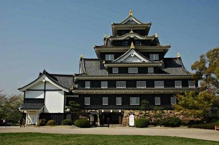 japans-okayama-castle