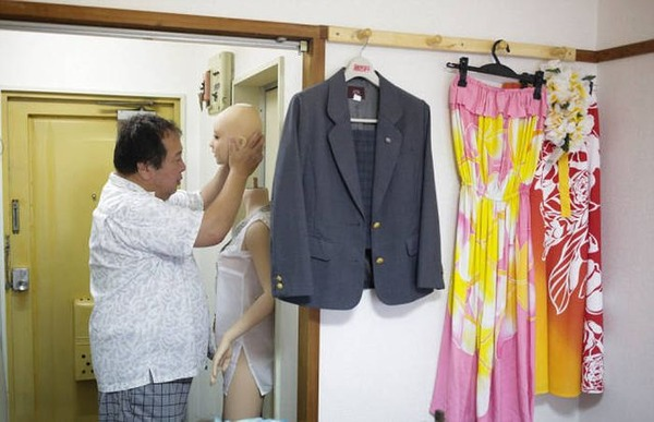married_japanese_man_06