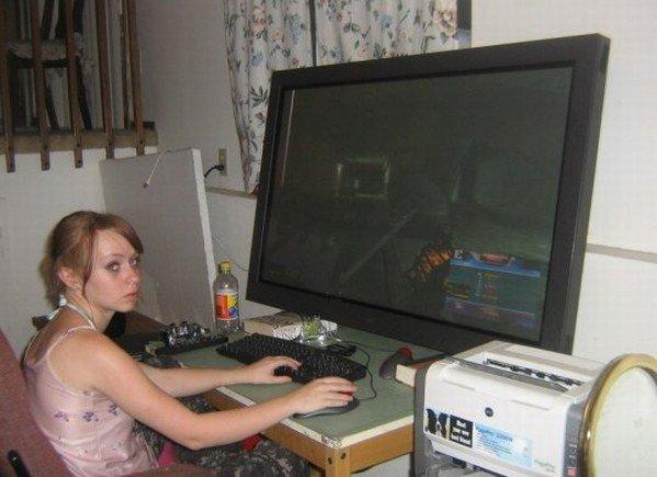 hardcore-gaming-girl-image