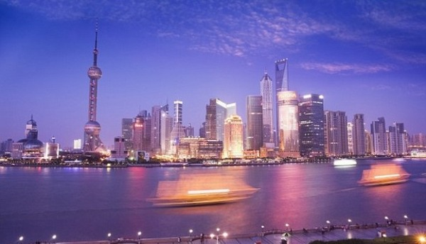 1412808951689_wps_41_Pudong_Skyline_at_Dusk_in-610x350