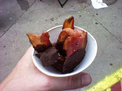 Chocolate_covered_bacon_from_Minnesota_State_Fair