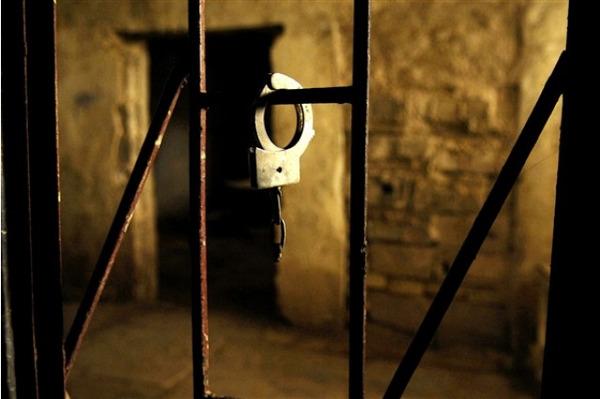 handcuffs1-1