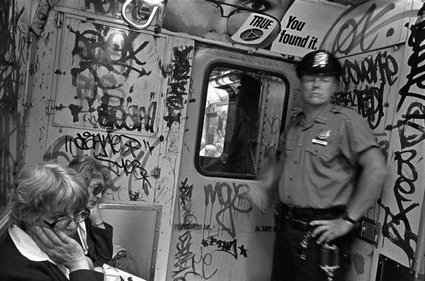 new-york-subway-black-white-photos