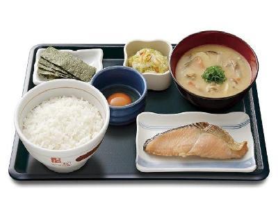 外国人 「日本の朝食が豪華すぎる!マジで毎日こんな物食ってんの?」