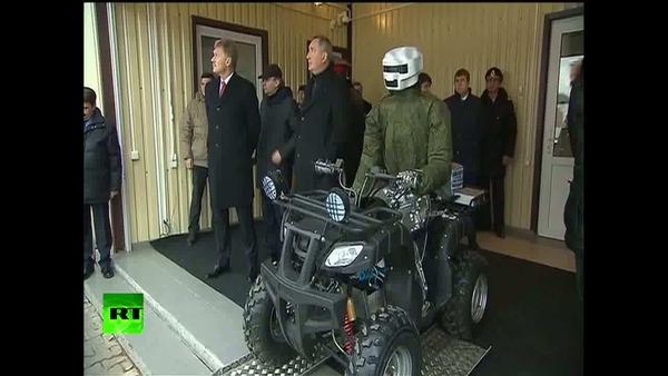 Military_cyborg_biker_presented_to_Putin__195379