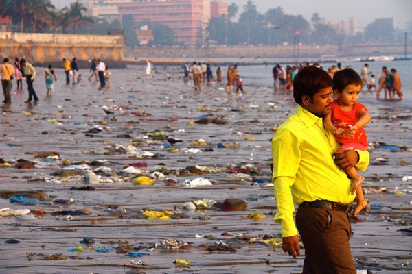 4593713-Father-on-Chowpatty-Beach-0
